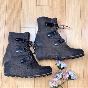 SOREL Joan of Arctic mid wedge boot, women's 10.